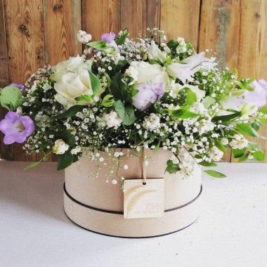 rouwwerk troostdoos met bloemwerk naar keuze